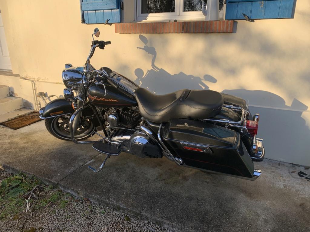 Road King uniquement, combien sur Passion-Harley  - Page 29 09fce310