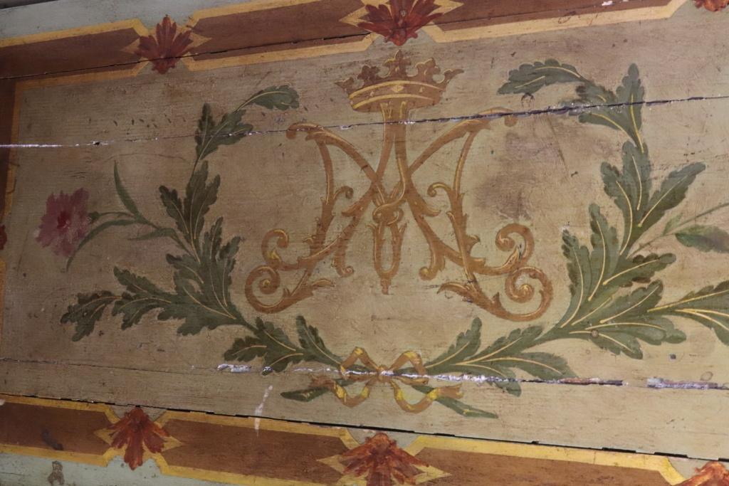 Le monogramme ou chiffre de Marie-Antoinette - Page 5 Clavec10