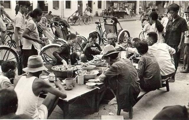 [Opérations de guerre] INDOCHINE - TOME 2 - Page 15 Saigon17