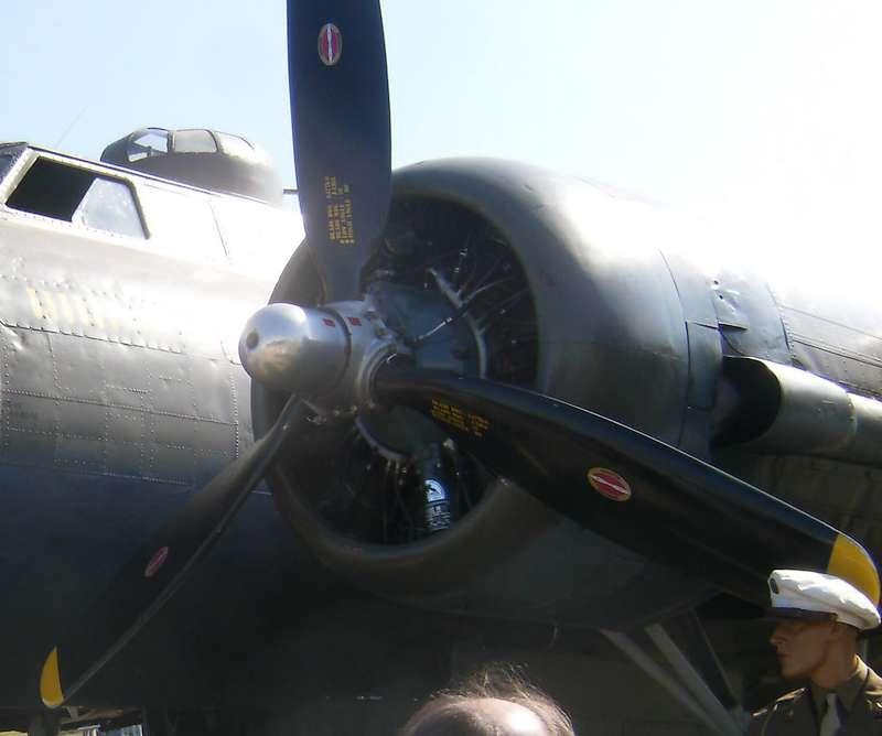 """[Revell] B-17F """"Memphis belle"""", 1/48e Hpim4612"""
