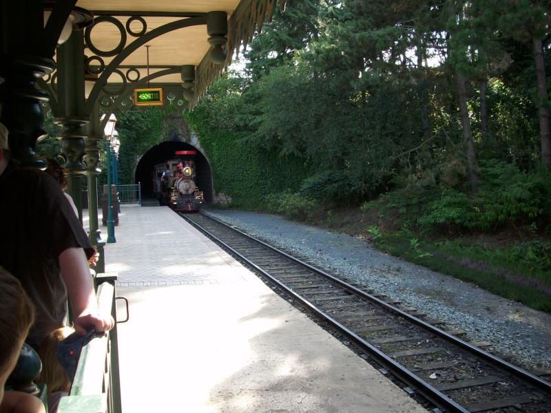 Disneyland Railroad Fantasyland Station Dsci0210