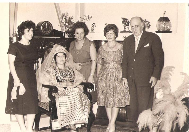 SOIR DU HENNE AVEC  LA KESOUA EL KBIRA (grande robe en arabe) - Page 2 1959_s10