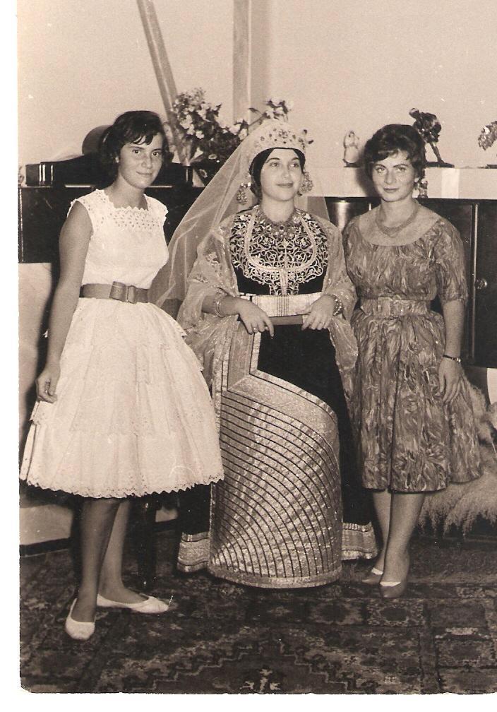 SOIR DU HENNE AVEC  LA KESOUA EL KBIRA (grande robe en arabe) - Page 2 1959_s11