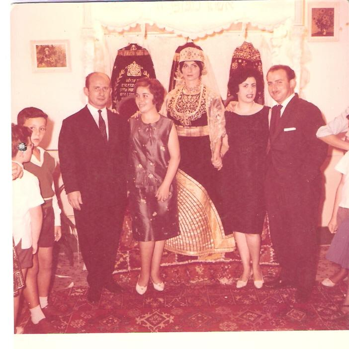 SOIR DU HENNE AVEC  LA KESOUA EL KBIRA (grande robe en arabe) - Page 2 196110