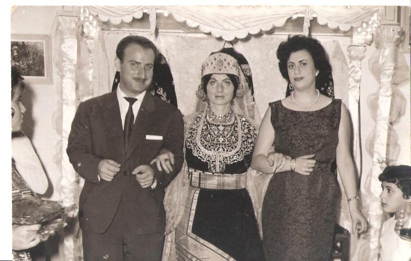 SOIR DU HENNE AVEC  LA KESOUA EL KBIRA (grande robe en arabe) - Page 2 1961_e10