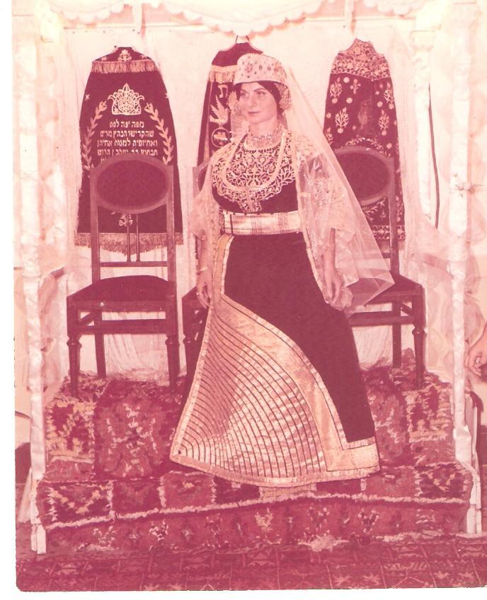 SOIR DU HENNE AVEC  LA KESOUA EL KBIRA (grande robe en arabe) - Page 2 1961_e11