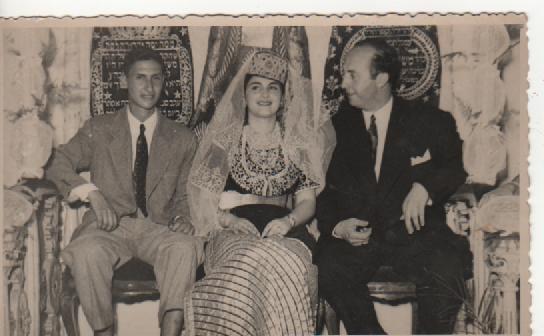 SOIR DU HENNE AVEC  LA KESOUA EL KBIRA (grande robe en arabe) - Page 2 29169_12