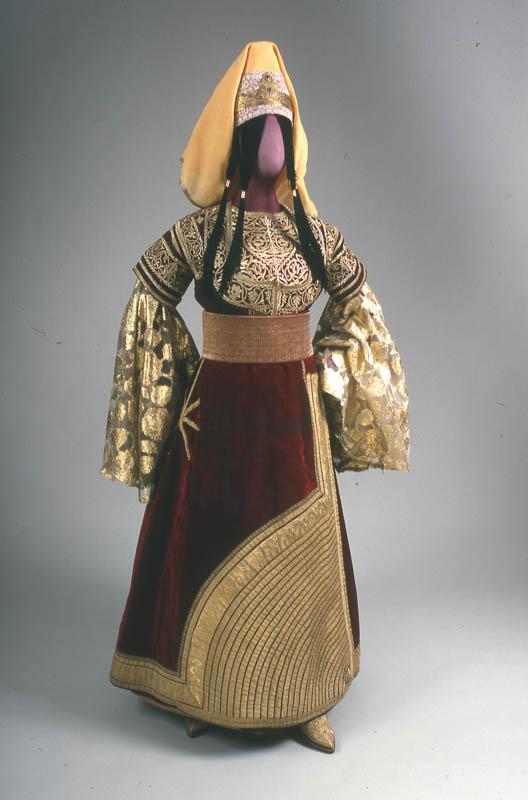 SOIR DU HENNE AVEC  LA KESOUA EL KBIRA (grande robe en arabe) - Page 2 35518110