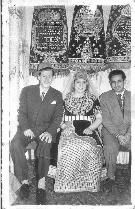 SOIR DU HENNE AVEC  LA KESOUA EL KBIRA (grande robe en arabe) - Page 2 40175_16