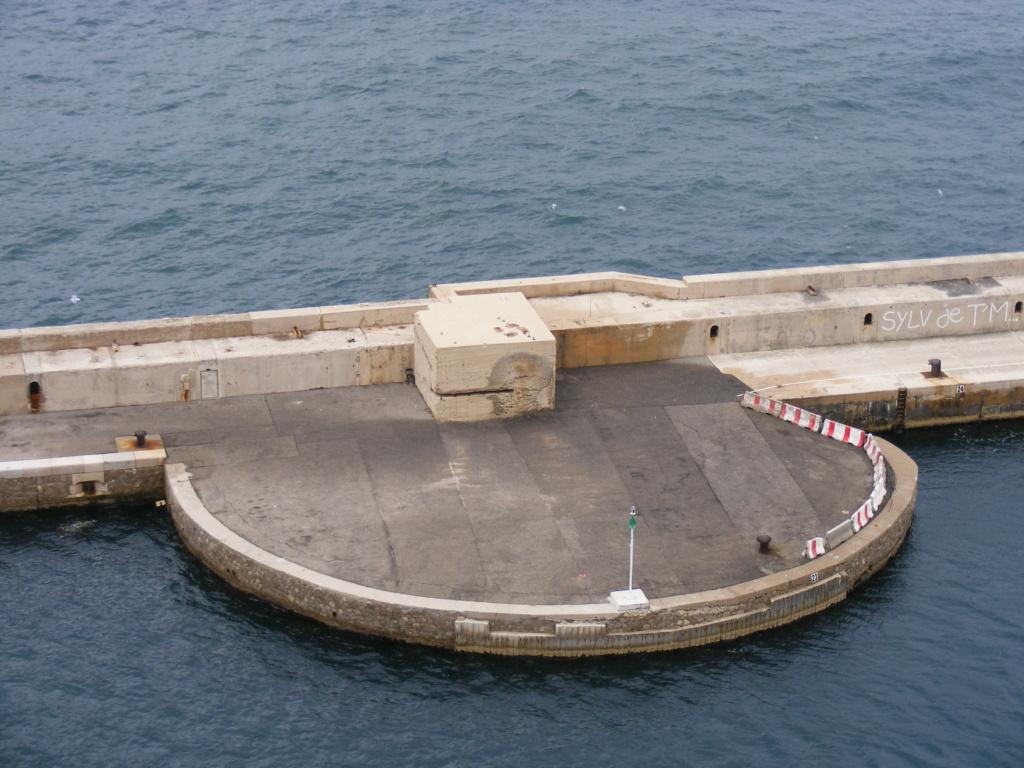 Grande digue du port (Marseille, 13) - Page 2 Mar04610