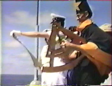 [ Les traditions dans la Marine ] LE PASSAGE DE LA LIGNE - ÉQUATEUR (Sujet unique) - Page 8 Vlcsna38
