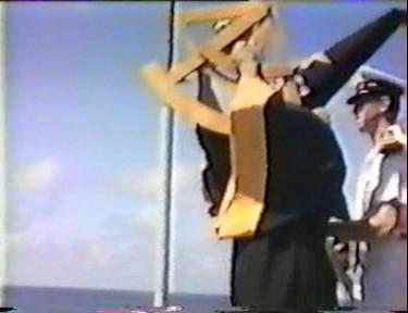 [ Les traditions dans la Marine ] LE PASSAGE DE LA LIGNE - ÉQUATEUR (Sujet unique) - Page 8 Vlcsna39