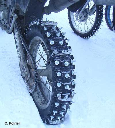 Pneu moto neige