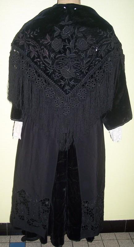 collecte costumes féminins - Page 10 Vannes11