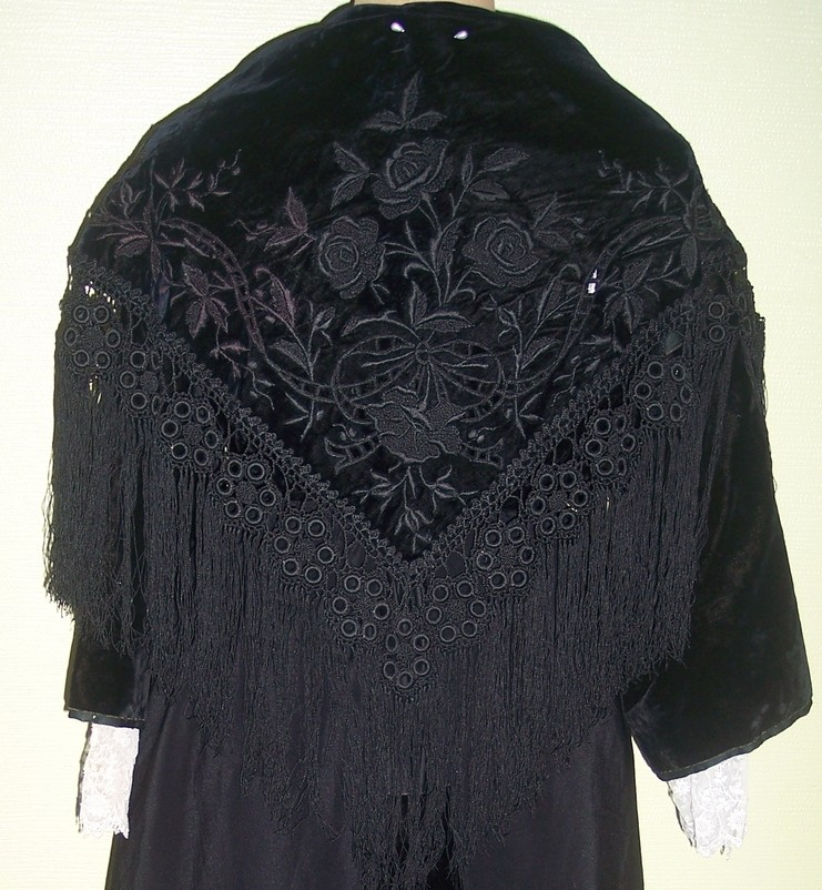 collecte costumes féminins - Page 10 Vannes14