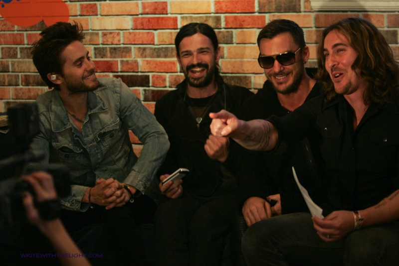 [2011] 30 Seconds to Mars at 98.7 FM's Hollywood Penthouse © writewiththelight 025a10