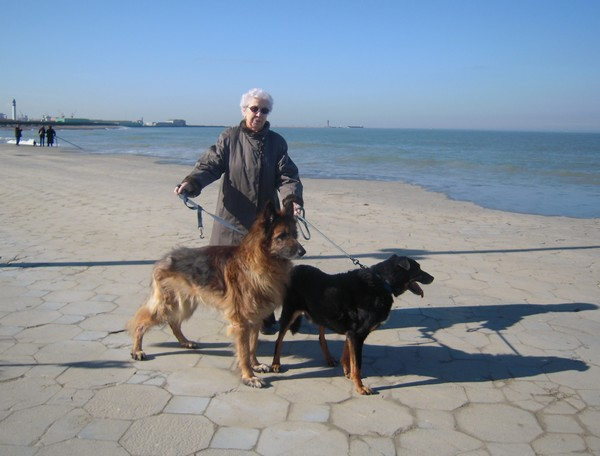VIP et MAX à la plage (2 mars 2010) Maman-10