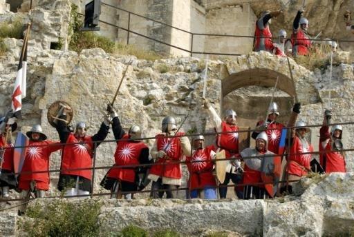 Photos et vidéos de l'assaut du Château des Baux de Provence _fal0910