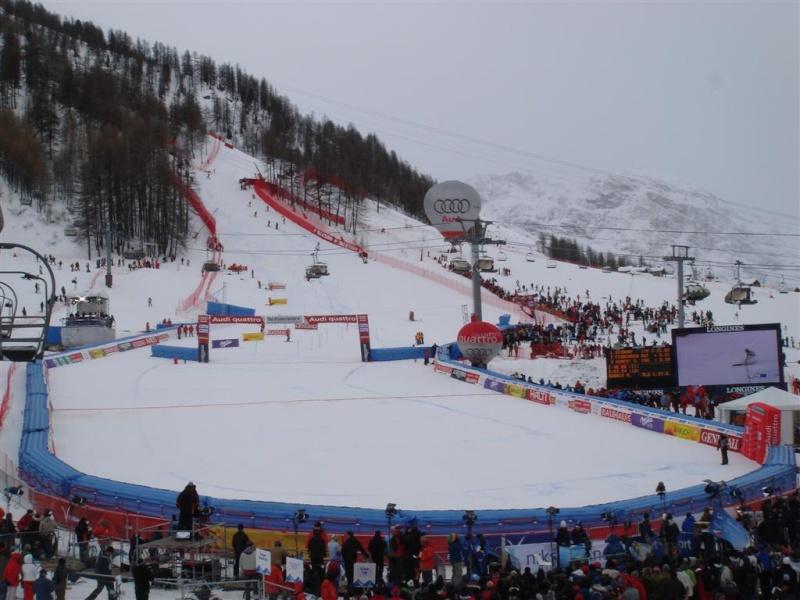 [Val'2009]Du 30/01 au 14/02/2009 Val D'Isère va vibrer ! - Page 2 Dsc08410