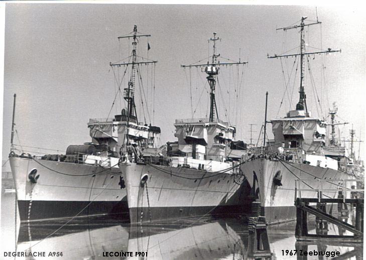 Divers : Algerine class minesweeper + PLAN et monument 05_alg10