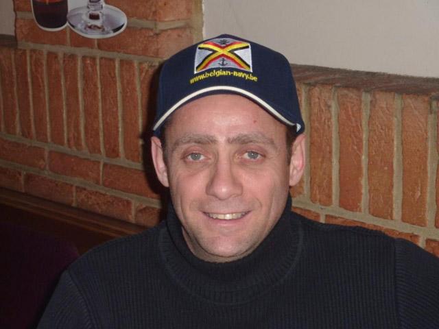 La casquette du forum sur nos têtes :-) 13_cas10