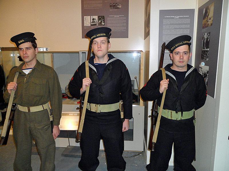 Nocturne 2010 au Musée Royal de l'Armée - Page 2 22_mra10