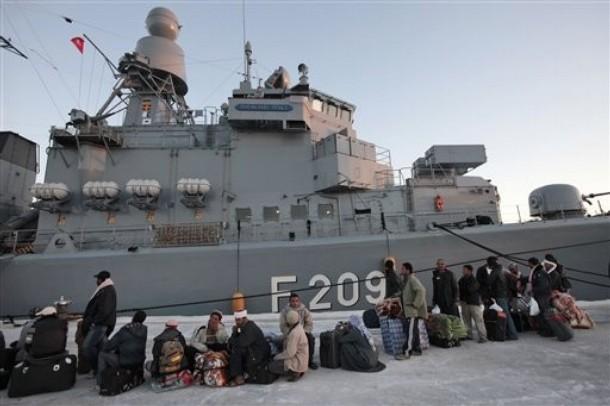 Coalition aéro maritime au large de la Libye - Page 2 610x32