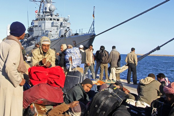 Coalition aéro maritime au large de la Libye - Page 2 610x33