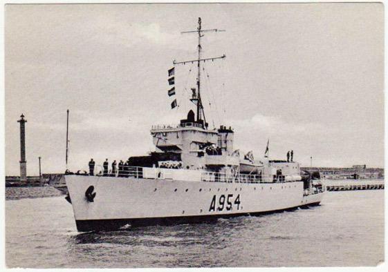 M900 / A954 Adrien De Gerlache (ex HMS Liberty) - Page 4 Adrien10