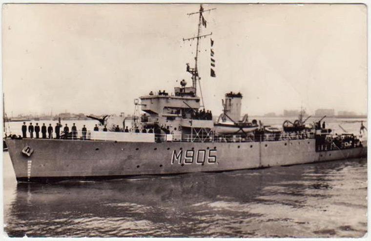 M/F 905 De Moor (ex HMS Rosario) - Page 2 De-moo11