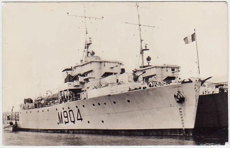 M/F 904 Debrouwer (ex HMS Spanker) - Page 2 F904-110