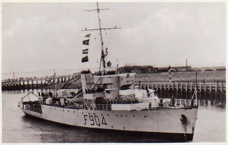 M/F 904 Debrouwer (ex HMS Spanker) - Page 2 F90410