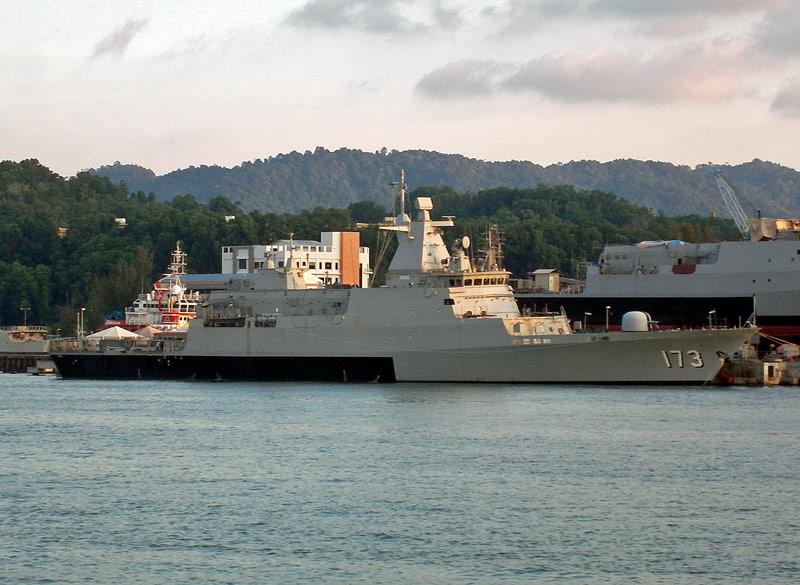Malaysian Navy - Marine malaisienne Perak_10