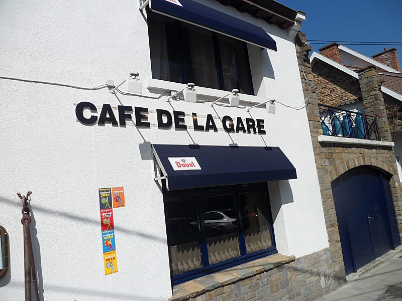 Café de la Gare à Profondeville le 9 avril Sam_0510