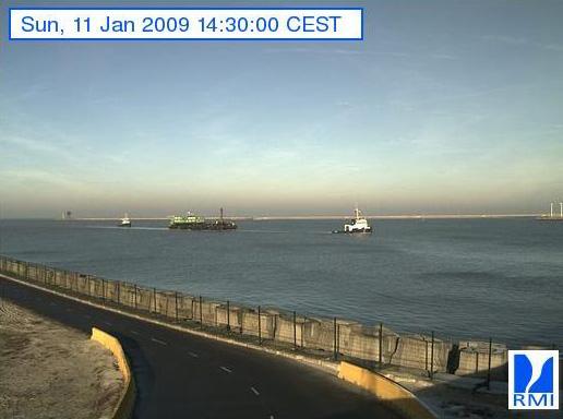 Photos en direct du port de Zeebrugge (webcam) - Page 6 Zeebru15