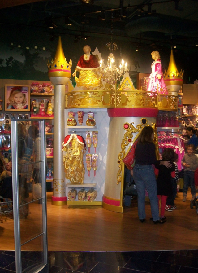 [Boutique Disney Store] Lyon - Page 9 100_6915