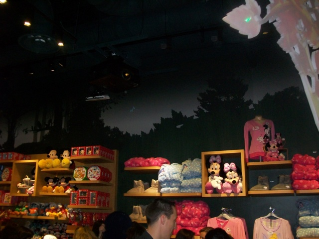 [Boutique Disney Store] Lyon - Page 9 100_6927