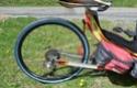 Peinture bleue (ou verte?) pour pneu de vélo: résolu ? Peintu10