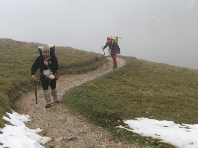 2010 Prospection minière au Trou du Glaz (38) Img_6010