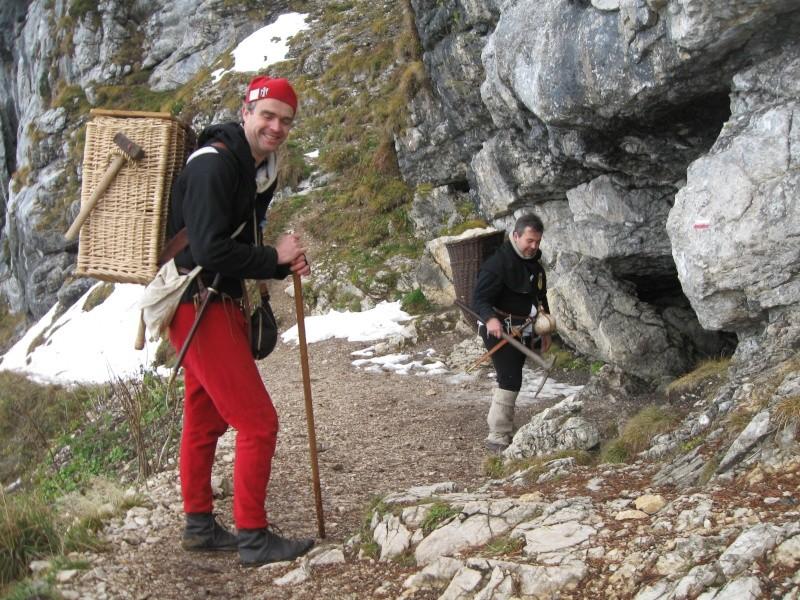 2010 Prospection minière au Trou du Glaz (38) Img_6112