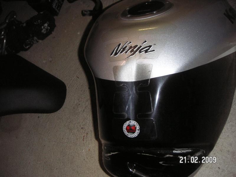 Bosse sur le réservoir redressable sans peinture ? Pict1311