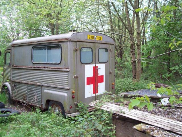 Présentation : Ex ambulance armée 100_2136