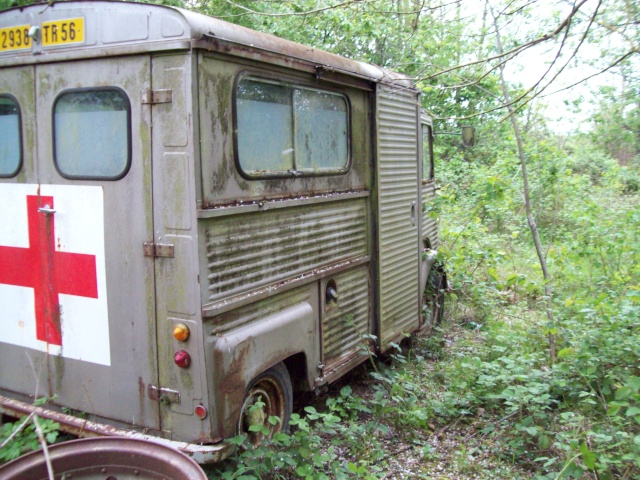 Présentation : Ex ambulance armée 100_2138