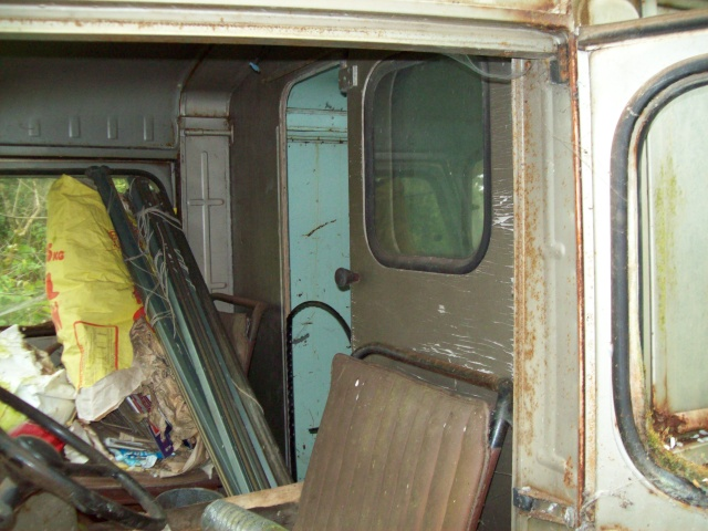 Présentation : Ex ambulance armée 100_2140