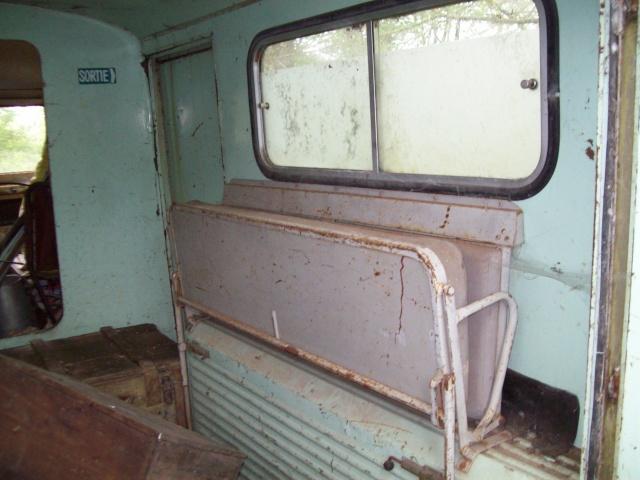 Présentation : Ex ambulance armée 100_2146