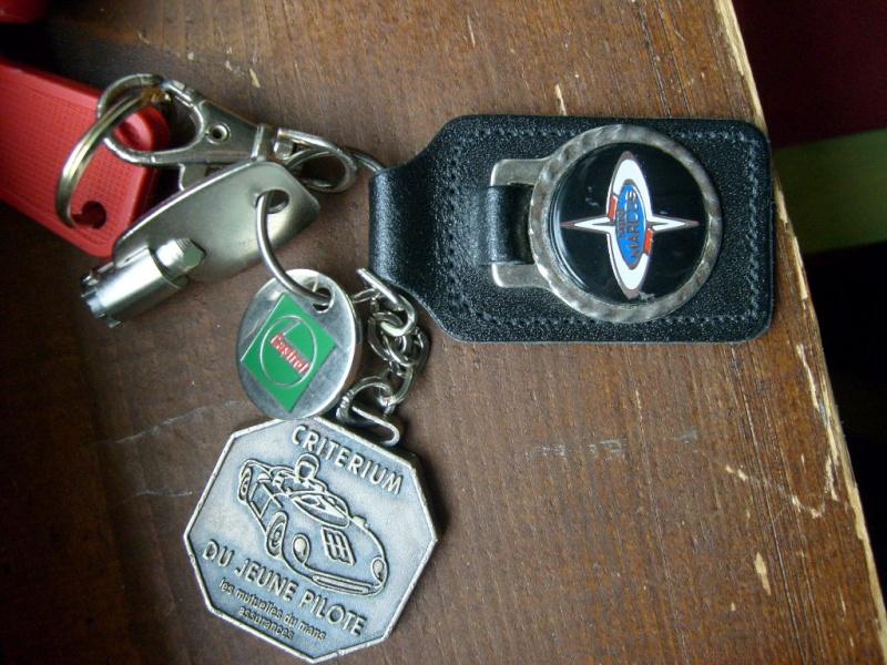 Diponibilité badges MARCOS ET JEM S6302515