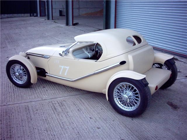 2cv custom 18434b11