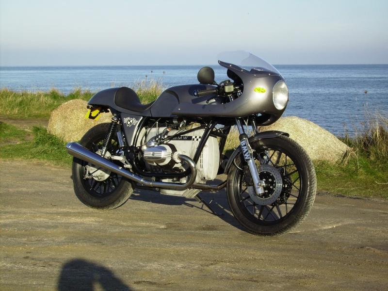 C'est ici qu'on met les bien molles....BMW Café Racer Imgp0610