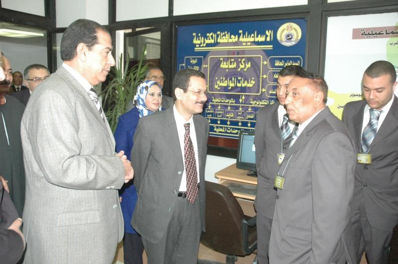 صور الوزير احمد درويش في غرفه التحكم بمحافظة الاسماعلية Dsc_0312