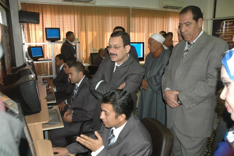 صور الوزير احمد درويش في غرفه التحكم بمحافظة الاسماعلية Dsc_0314